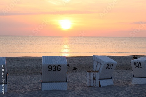Plexiglas Zee zonsondergang Romantic sunset at the beach in Westerland, Sylt