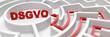 Leinwanddruck Bild - DSGVO als Ziel in einem Labyrinth als Erfolg Konzept