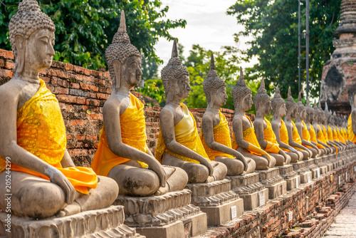 Foto Murales Buddha sculptures in Thailand temple