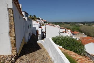Ruelle de la ville d'Aljezur, Algarve, Portugal © Bernard 63