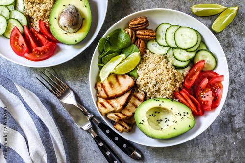 Foto Murales Healthy salad bowl with quinoa