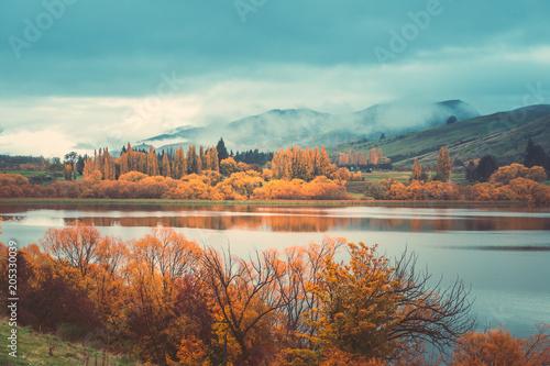 Fotobehang Landschappen Autumn in Lake Hayes, Queenstown New Zealand landscape