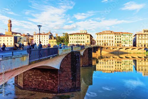 Aluminium Florence People at Ponte alle Grazie bridge in Florence