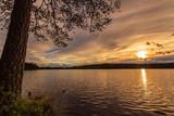 ein wunderschöner Abend am See - 205423635