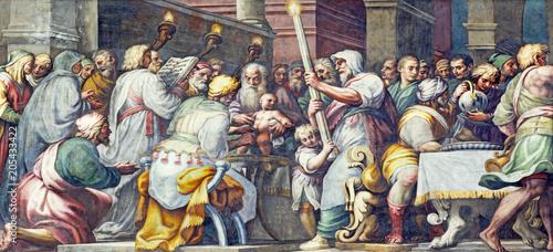 In de dag Jezus Christus PARMA, ITALY - APRIL 16, 2018: The fresco The Circumcision of Jesus in Duomo by Lattanzio Gambara (1567 - 1573).