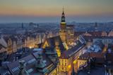 Wieczór nad wrocławskim rynkiem, widok na Rarusz - Wrocław, Polska