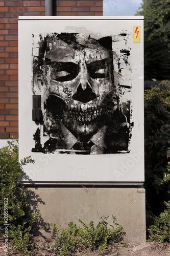 Fotobehang Graffiti Graffiti Graffitiwand Tot Totenkopf