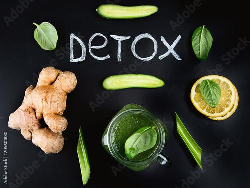 Zdrowy zielony smoothie