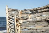 Recinzione con pali di legno - 205650255