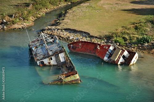 Fotobehang Schipbreuk Cemetery of sunken ships