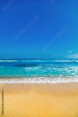 Foto Murales Exotic blue tropical ocean / sea tropical scenery.