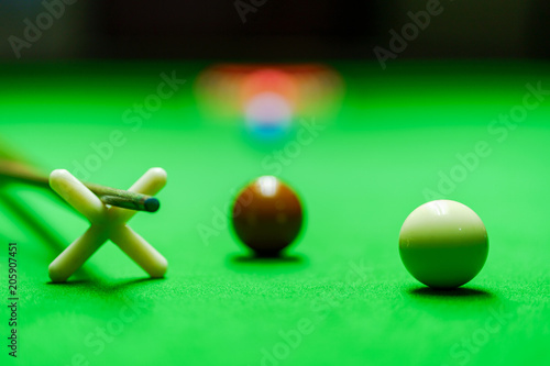 Snooker balls on green snooker table - 205907451