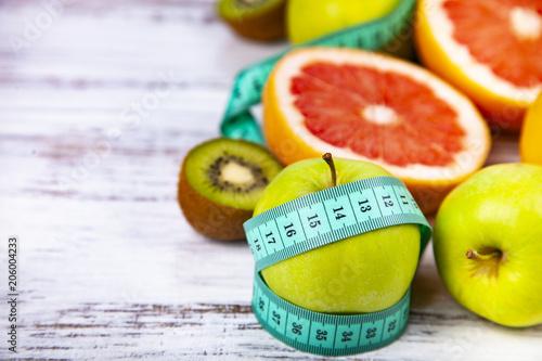 Żywność dla diety i hantle