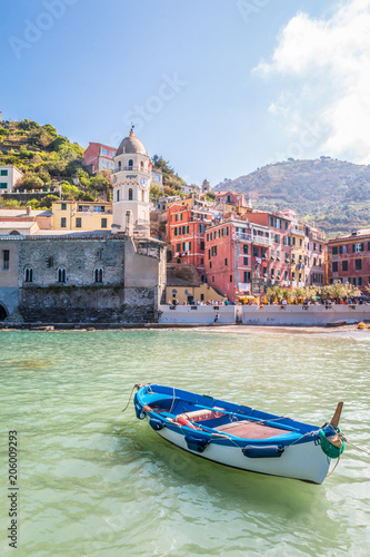 Fotobehang Liguria Boats in the old town of Vernazza in Cinque Terra Italy