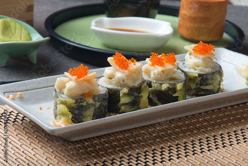 Fotobehang Sushi bar abalone salad roll sushi with tempura