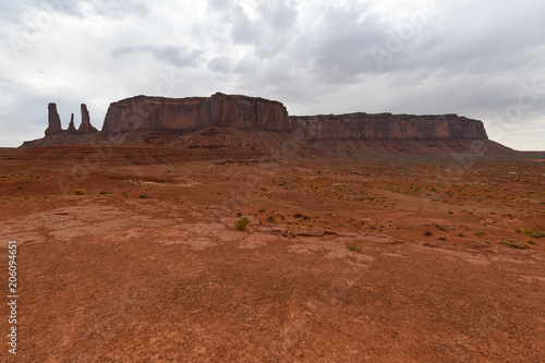 Fotobehang Diepbruine Monument Valley