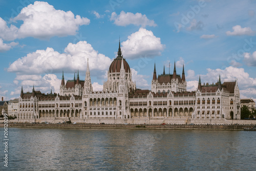 Fotobehang Boedapest The majestic Hungarian parliament in Budapest