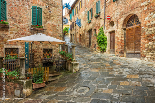 Fototapety, obrazy : Beautiful alley in Montepulciano, Tuscany, Italy