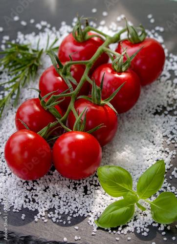 Tomaten Genuss auf dem Tisch