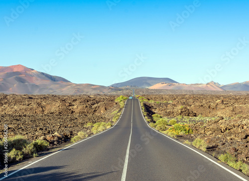 Fotobehang Canarische Eilanden road to Timanfaya National Park, Lanzarote, Canary Islands, Spain.