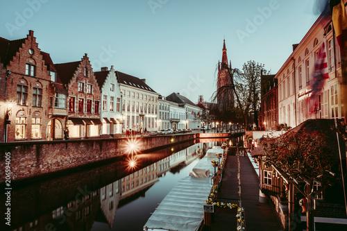 Fotobehang Brugge Abendliche Stimmung in Brügge