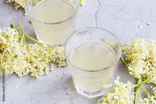Leinwanddruck Bild Elderflower lemonade