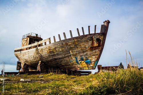Fotobehang Schip Rusty boat