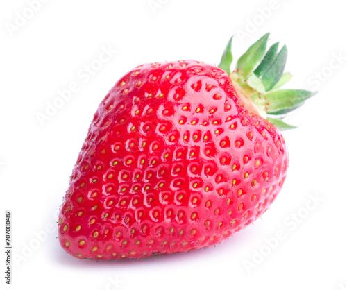Czerwona jagodowa truskawka odizolowywająca na białym tle