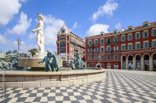 Canvas Nice Nice, place Masséna, la Fontaine du Soleil et la statue d'Appollon