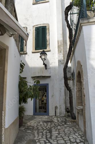 White-washed Walls of Otranto © Lindsey