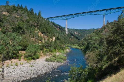 Fotobehang Bergrivier American River