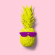 piña pintada con gafas de sol pintadas - 207141474