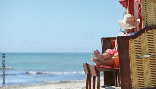 Leinwanddruck Bild entspannter und erholsamer Strandtag