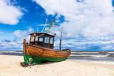 Ein Fischerboot in Ahlbeck auf der Insel Usedom - 207182636