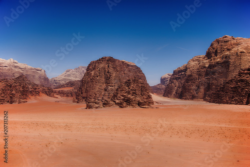 Canvas Zalm Landscape in Wadi Rum