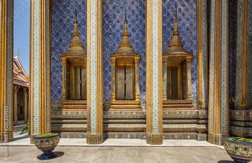 Aluminium Bangkok Stunning temples at Grand Palace complex in Bangkok Thailand