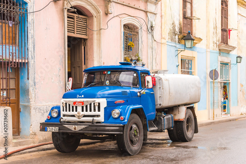 mata magnetyczna CUBA, HAVANA - MAY 5, 2017: Russian truck zil. Copy space for text.