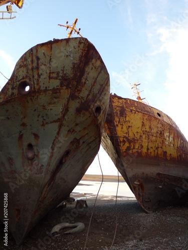 Fotobehang Schipbreuk rusty ship