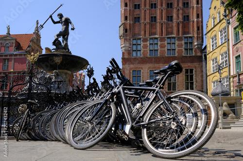 Polska, Gdańsk - rowery przy Fontannie Neptuna na ulicy Długiej