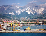 porto di Carrara , toscana - 207434408