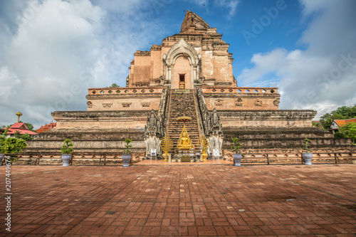 Fotobehang Thailand Wat Chedi Luang Temple in Chiang Mai Thailand