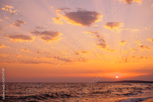 Fotobehang Zee zonsondergang Sundown over sea.