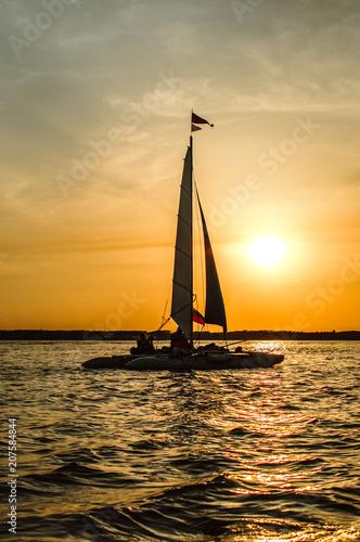 Aluminium Zanzibar lonely sail at sunset
