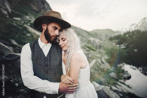 Canvas Khaki Stylish young wedding couple posing in beautiful Matterhorn moun