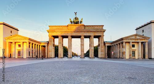 Aluminium Berlijn Brandenburg Gate during the sunrise in Berlin, Germany