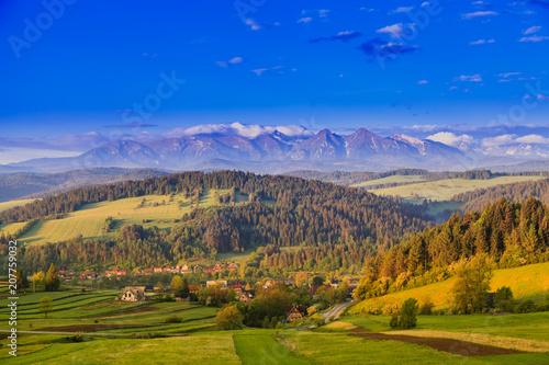 Canvas Honing Beautiful views of the Pieniny Mountains. Poland.