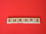 la parola Europe composta da lettere scritte su piccoli tasselli di legno - 207771871