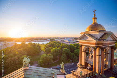 Leinwanddruck Bild Evening view from the colonnade of the Saint Isaac's Cathedral. St.-Petersburg, Russia