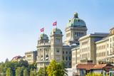 Bundeshaus in Bern, Schweiz - 207802400