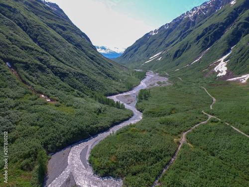 Fotobehang Bergrivier River Valley